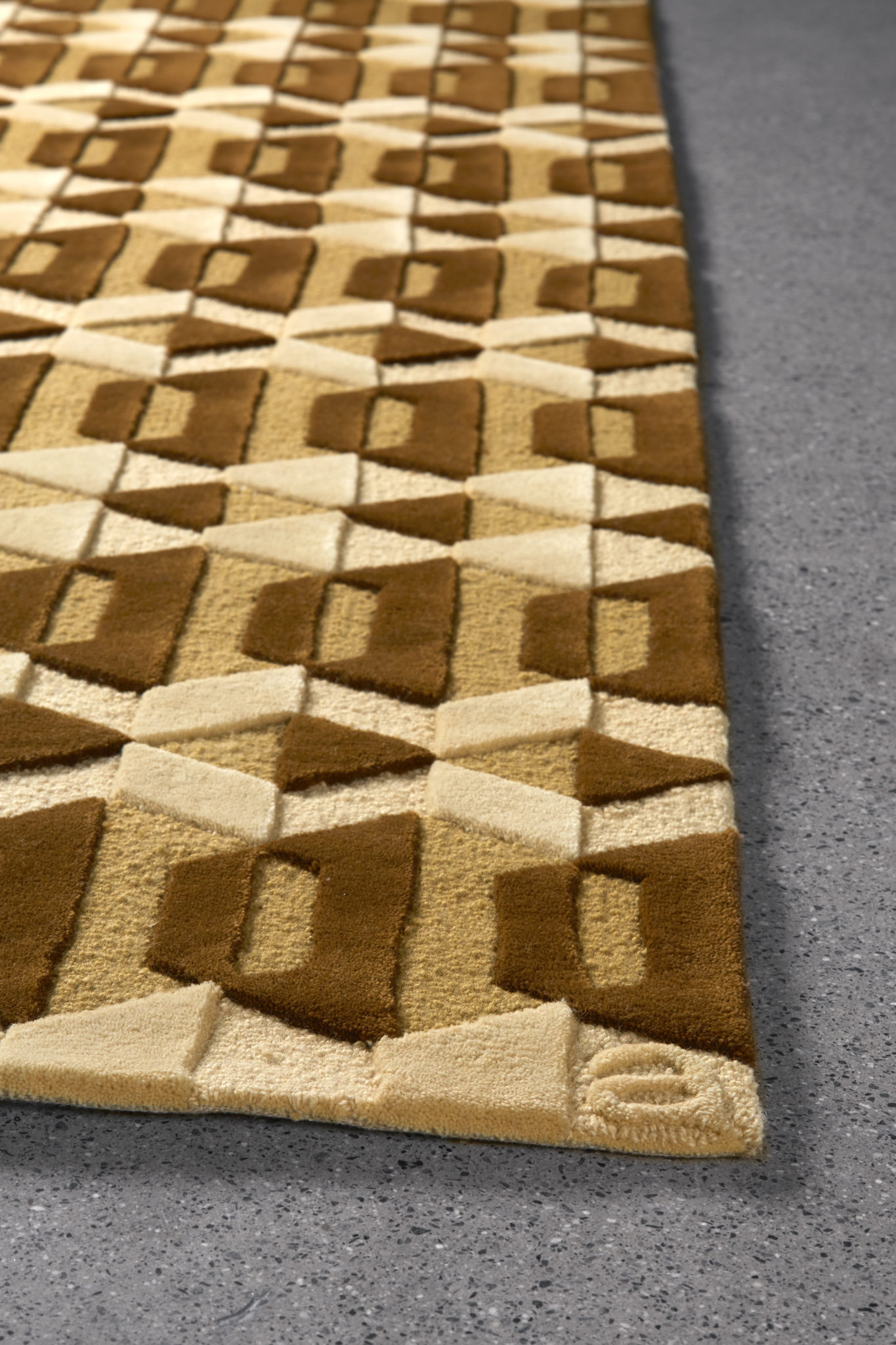 Garbo Amber Luxury Wool Handmade Rug